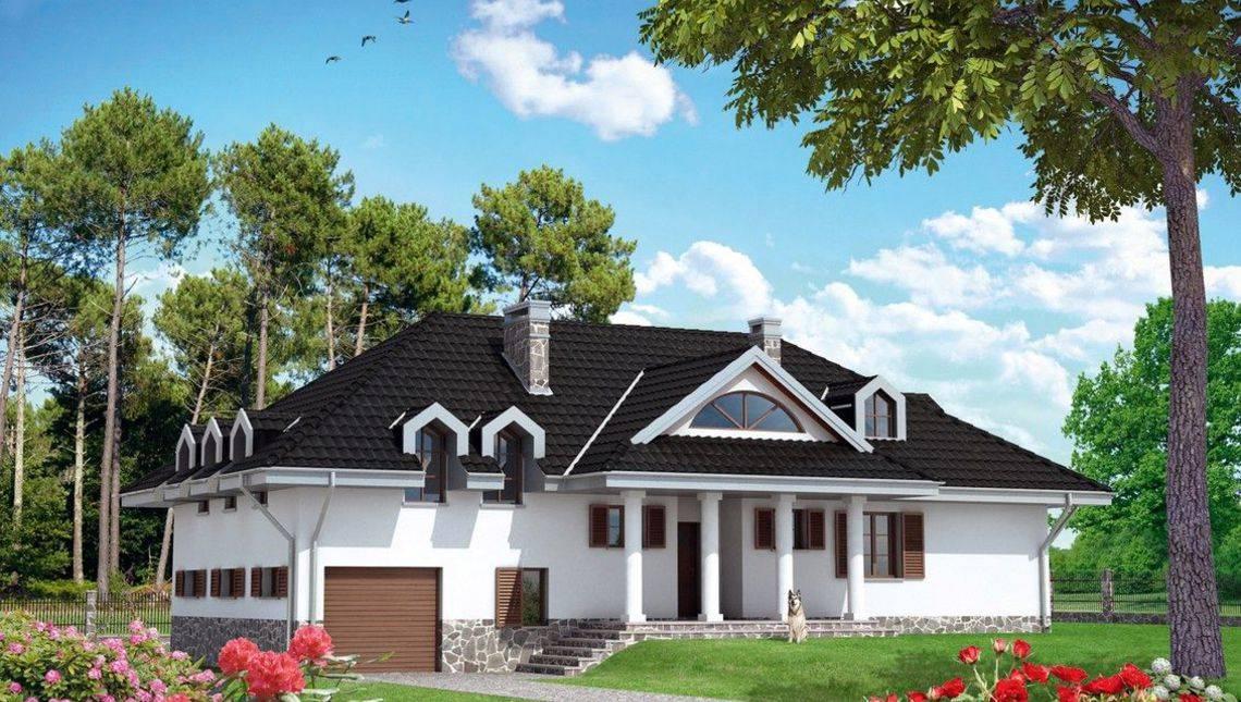 Проект заміського котеджу з верандою і терасою з панорамними вікнами
